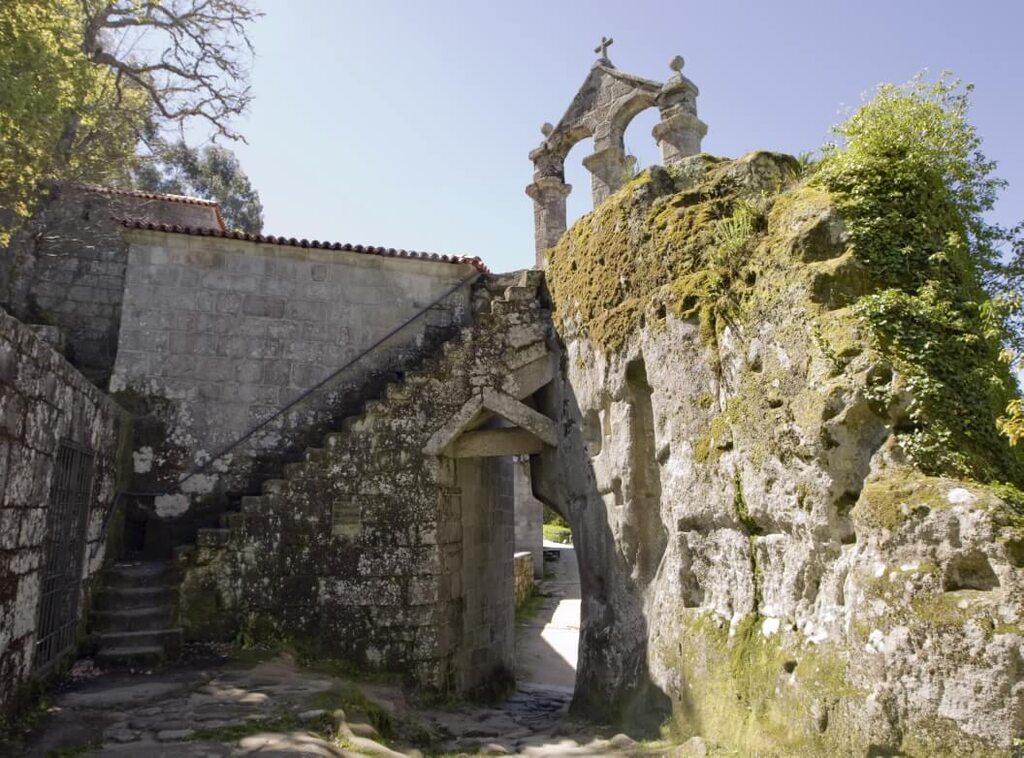 monasterio-san-pedro-de-rocas